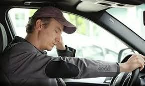 Otoyol hipnozu yorgun sürüşe ve direksiyonun arkasında uykuya dalmaya benzer.